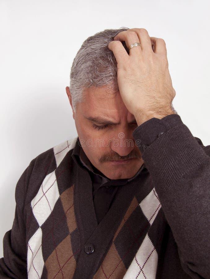 Dette déprimée d'homme de problème mariée par mauvais d'effort photos libres de droits