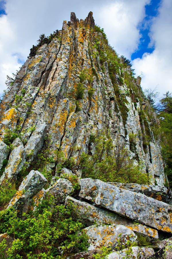 Download Detunatele massif, Romania stock image. Image of stones - 40657379