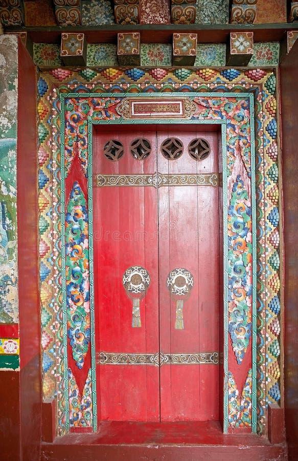 Deur bij het Pemayangtse-Klooster, Sikkim, India stock afbeelding