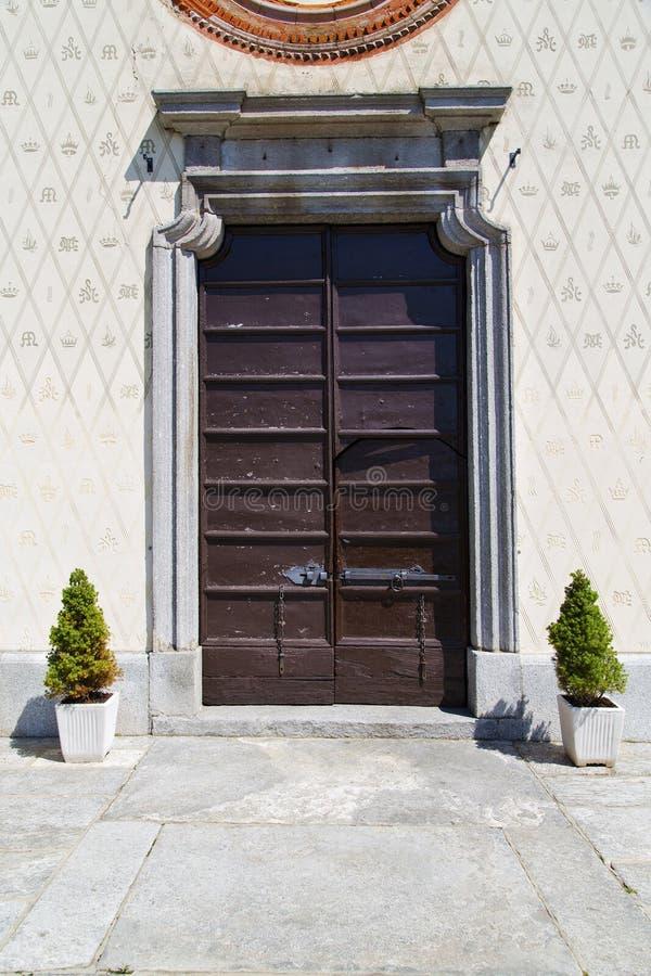 deur in de vaas van de de kolominstallatie van Italië Lombardije stock foto's