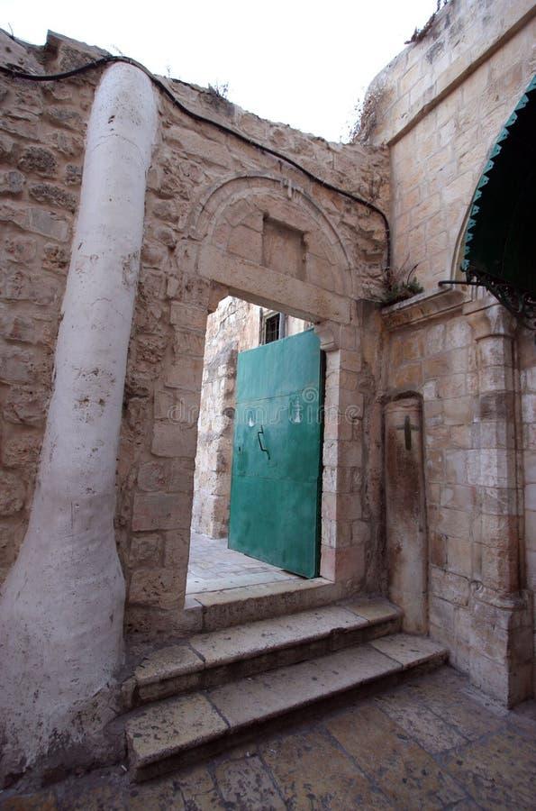 Deur in Ethiopisch klooster, kerk van het Heilige Grafgewelf, Jeruzalem stock fotografie