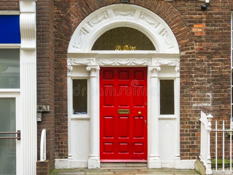 Deur in het Georgische huis van Dublin stock fotografie