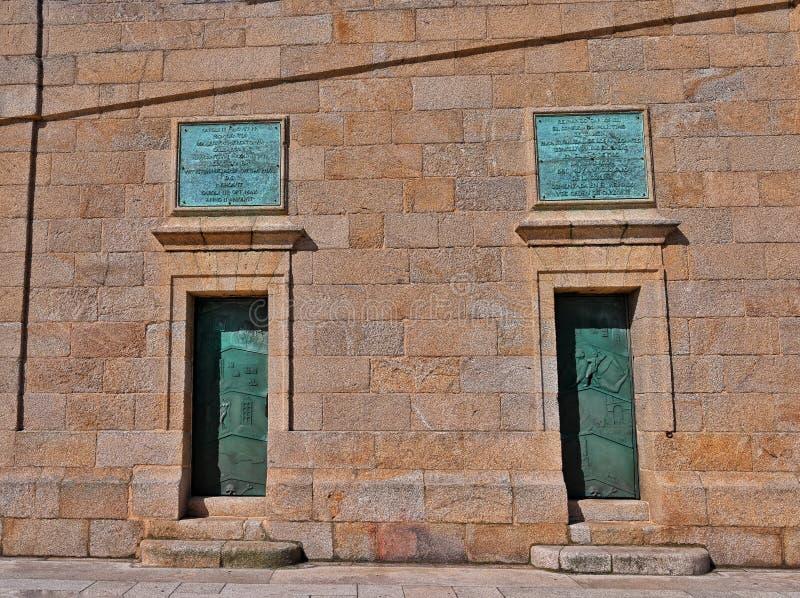 Deuren bij de Toren van Hercules royalty-vrije stock afbeeldingen