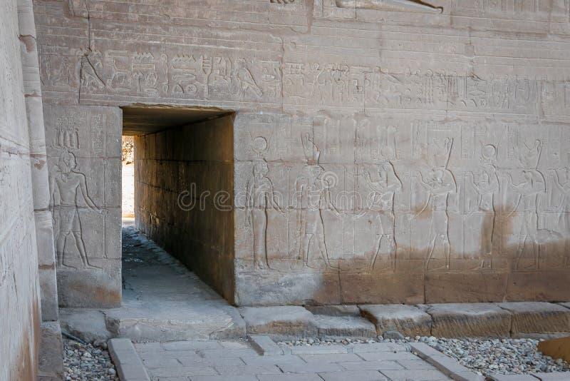 Deuren binnen de Tempel van Edfu Egypte royalty-vrije stock foto's