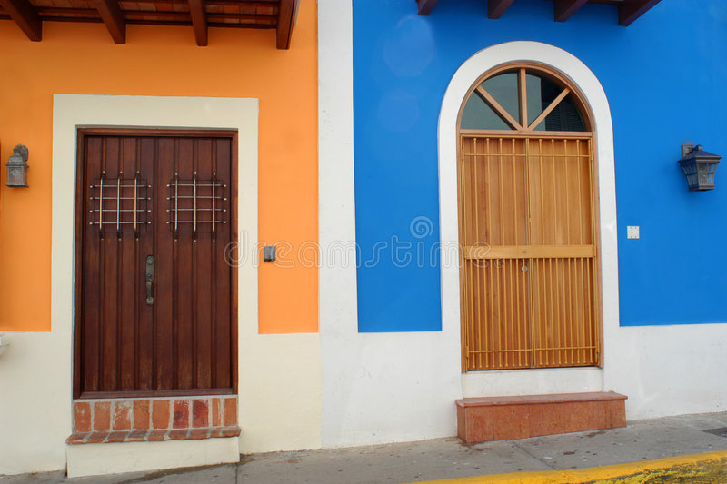 Deuren in Oud San Juan stock afbeelding