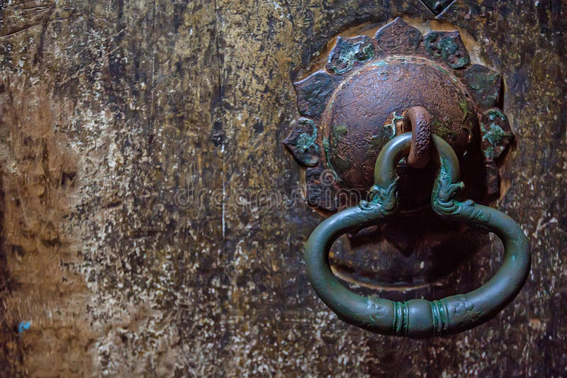 Deurknop bij holtempel in Dambulla royalty-vrije stock foto's