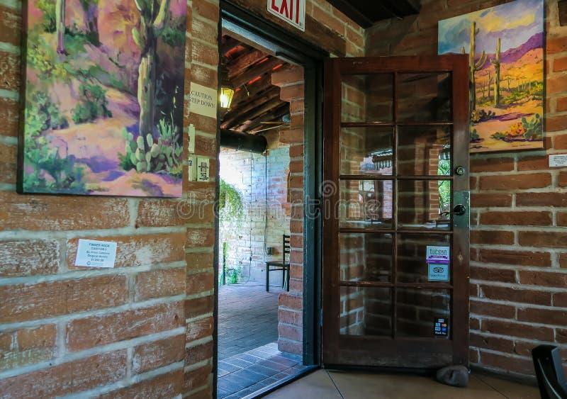 Deuropening bij het restaurant van Tohono Chul Park, Tucson, Arizona stock afbeelding