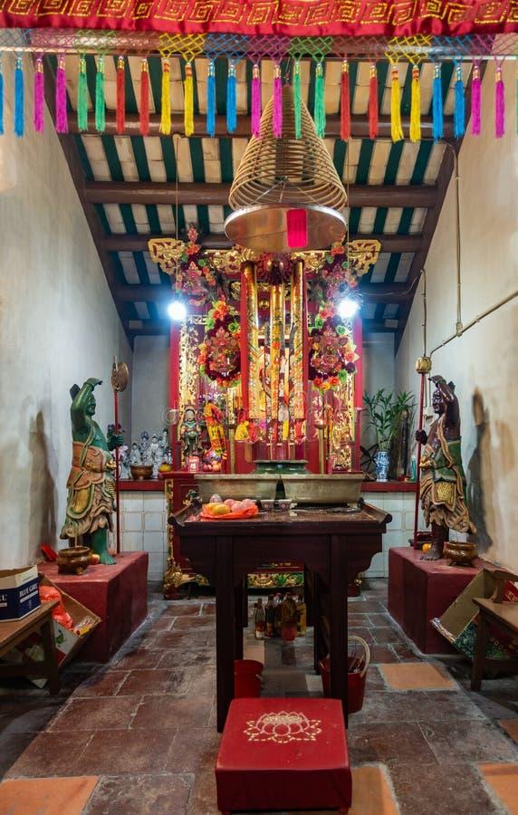 Deus do altar do mar no templo de Kwan Tai Taoist em TAI O, Hong Kong China imagens de stock royalty free