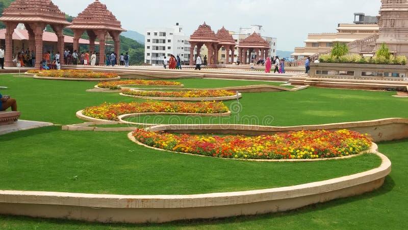Deus hindu com projetos da flor imagem de stock royalty free