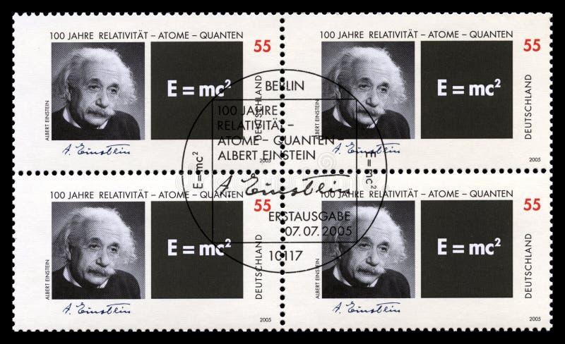 Deutsche Briefmarken mit Porträt von Albert Einstein stockbild