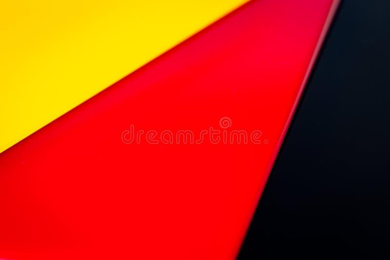 Deutsche Flagge bestanden aus Stücken farbigem Glas stockbilder