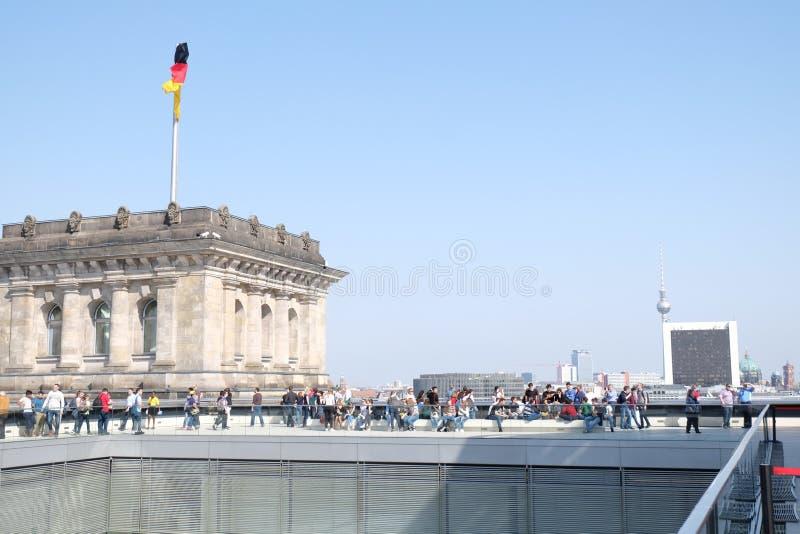 Deutsche Flagge der Bundestag Berlin Cityscape stockbilder