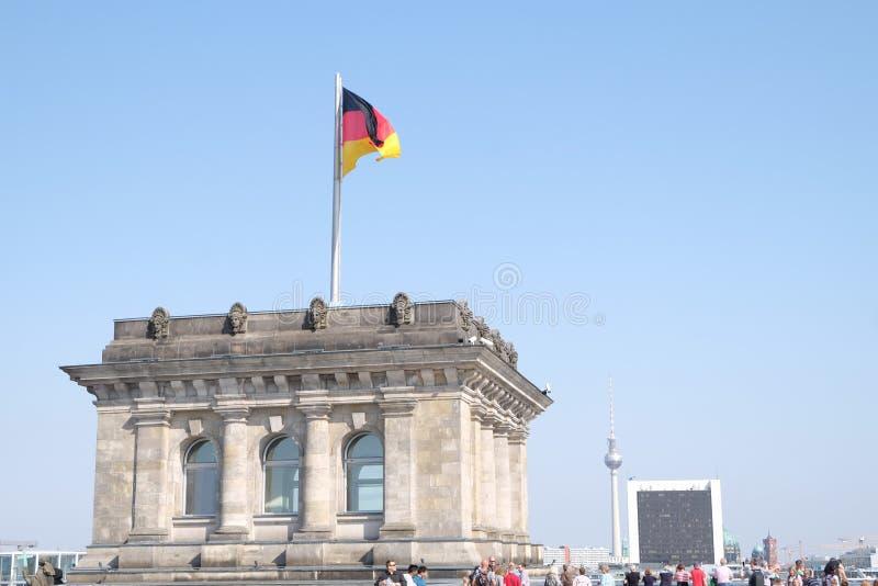 Deutsche Flagge der Bundestag Berlin Cityscape lizenzfreies stockfoto