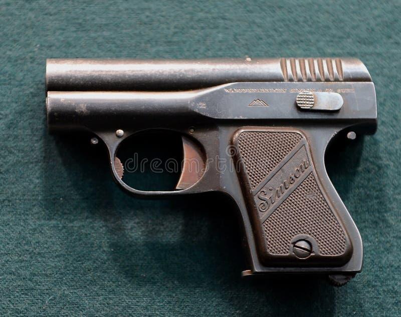 Deutsche Pistole Simson im Museum auf Petrovka, 38, Hauptabteilung des Innenministeriums von Moskau lizenzfreie stockbilder