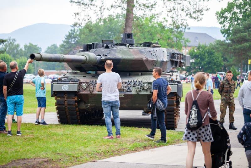 Deutscher Hauptpanzer Leopard 2A6 lizenzfreie stockfotografie