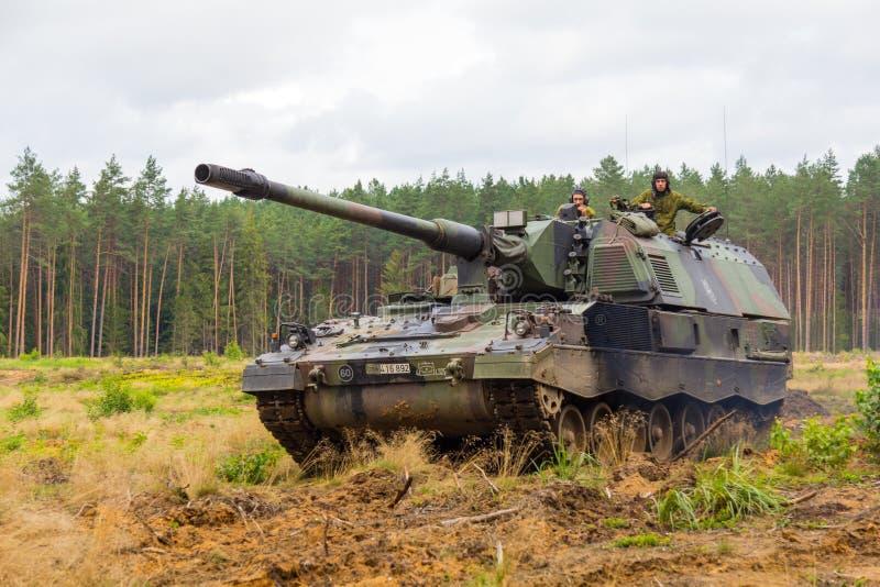 Deutscher Panzerhaubitze 2000 stockfotos