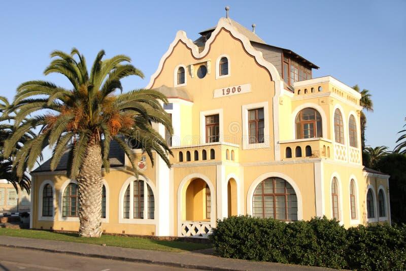 Deutsches Artgebäude in Swakopmund, Namibia stockbilder