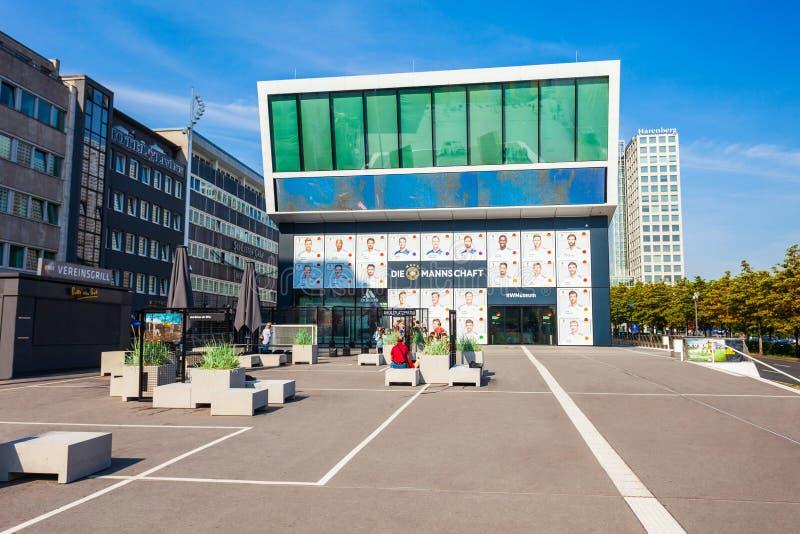 Deutsches Fußball-Museum in Dortmund stockbilder