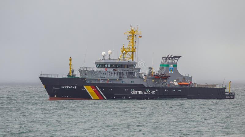 Deutsches Küstenwachschiff lizenzfreie stockfotografie