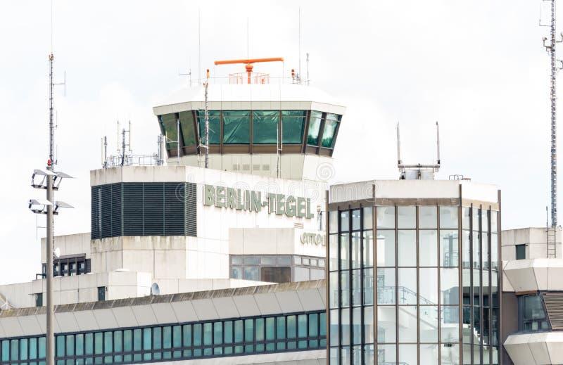 DEUTSCHLAND - 22. JULI 2016: Hauptflughafen Berlin Tegel TXL stockbild