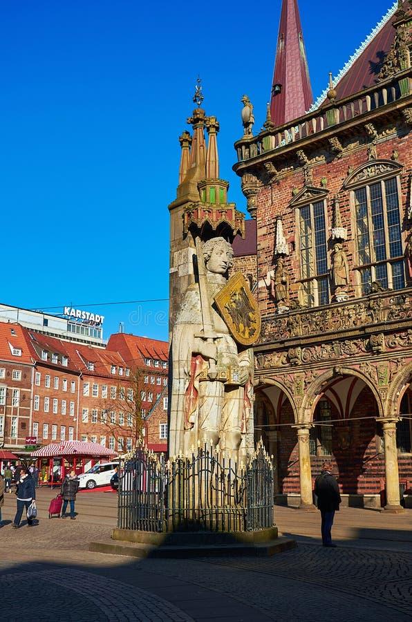 deutschland Statue von Roland am Marktplatz in Bremen 14. Februar 2018 lizenzfreie stockfotografie