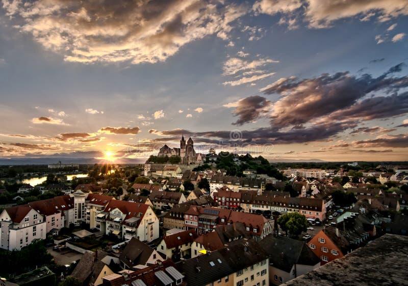 ¼ Deutschlands Mà nster ¼ Deutschland Frà hling Landschaftsstadt Stadt Rhein Breisach morgens Rhein stockfotografie