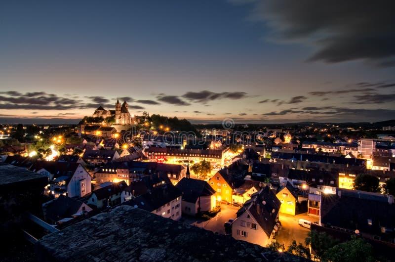 ¼ Deutschlands MÃ nster Deutschland-Frühling FrÃ-¼ hling Landschaftsstadt Stadt Rhein Breisach morgens Rhein lizenzfreie stockbilder