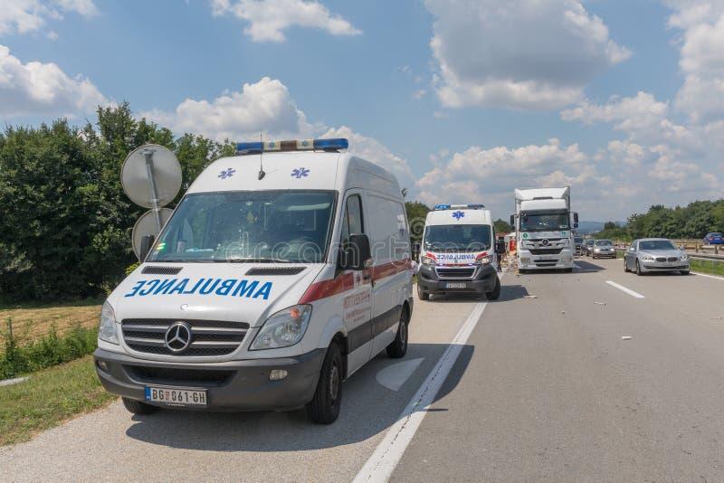 Deux ambulances images libres de droits