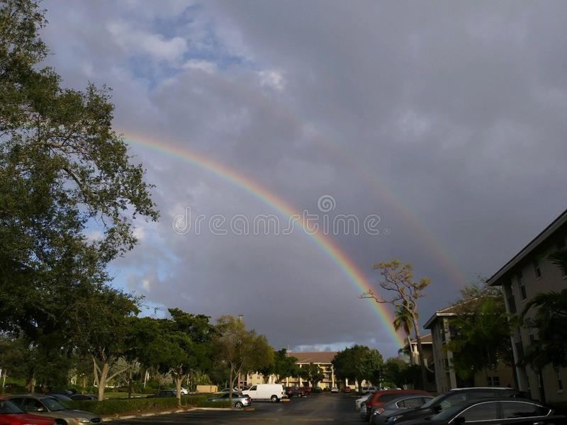 Deux beaux arcs-en-ciel photos libres de droits