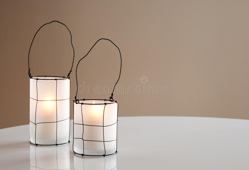 Deux belles lanternes photographie stock