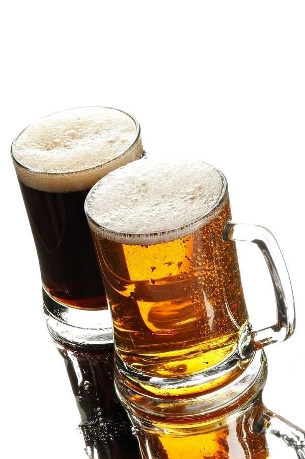 Deux bières en glaces photographie stock libre de droits
