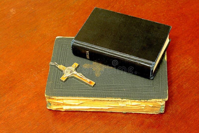 Deux bibles images stock