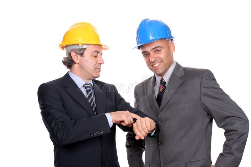 Deux discuter d'ingénieurs ou d'architectes photo stock