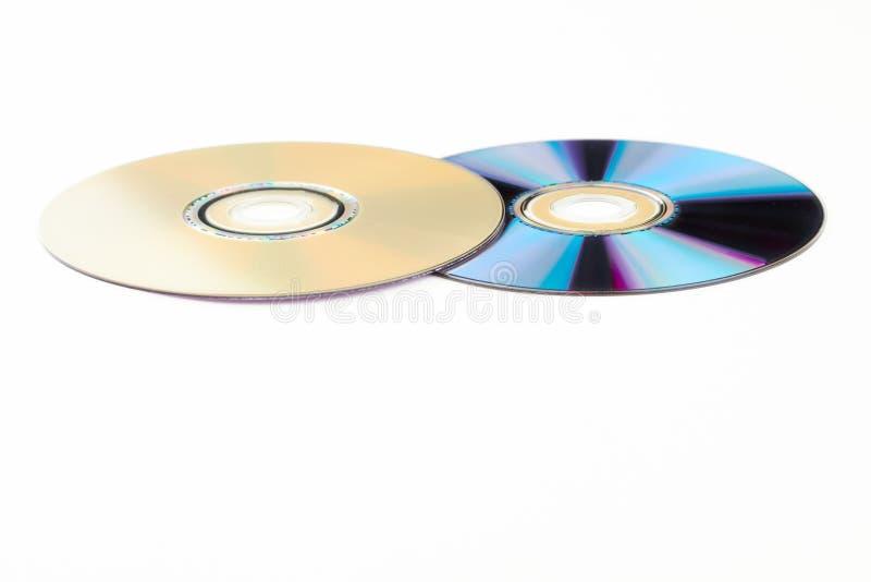 Deux disques compacts sur le fond blanc photos libres de droits