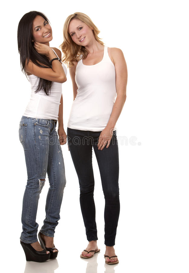 Deux femmes occasionnelles image stock