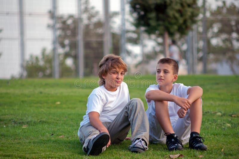 Deux garçons. image libre de droits