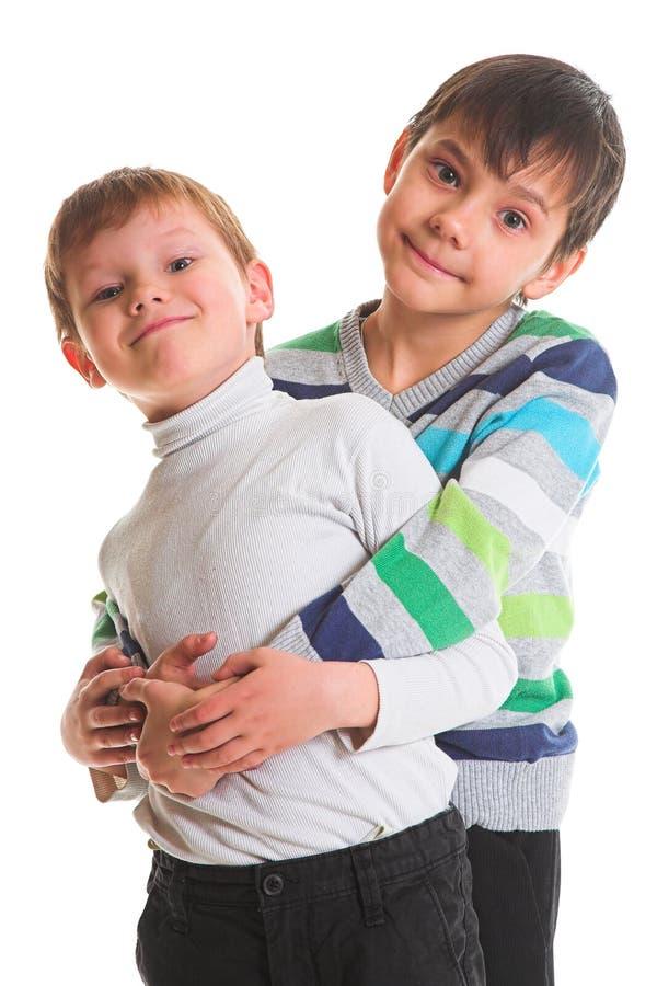 Deux garçons heureux image stock
