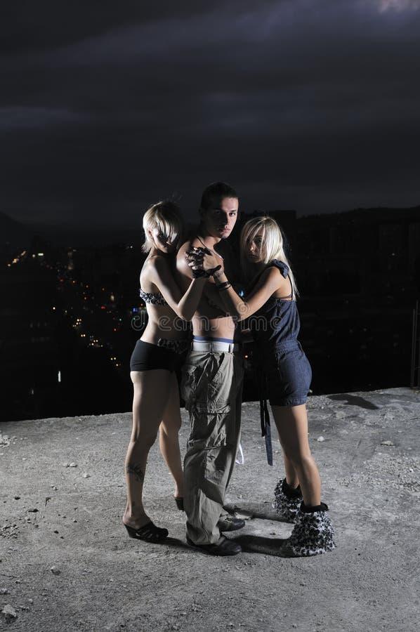Deux gens d'équipe de groupe d'homme de la femme une photos libres de droits