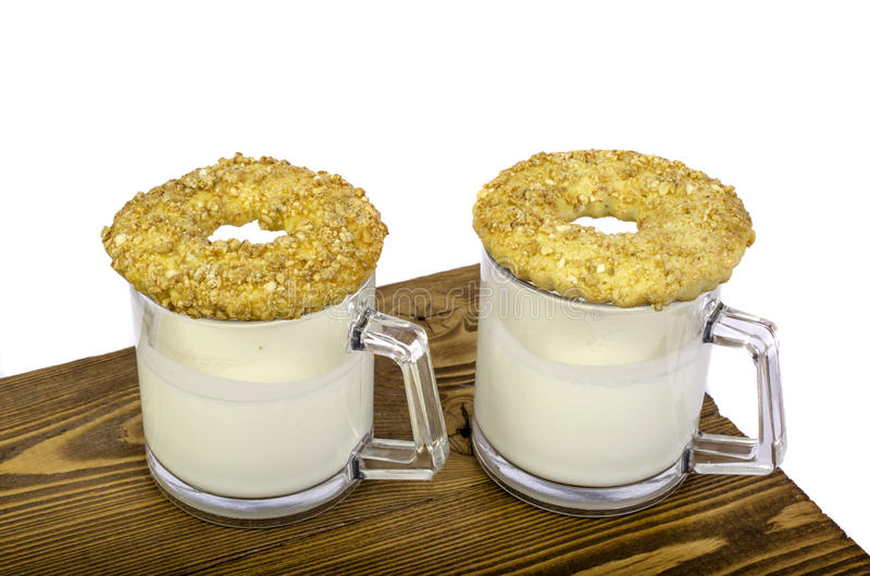 Deux glaces de lait et de biscuits photo stock