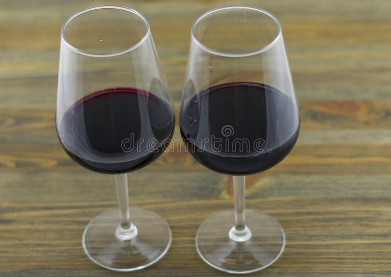 Deux glaces de vin rouge image libre de droits