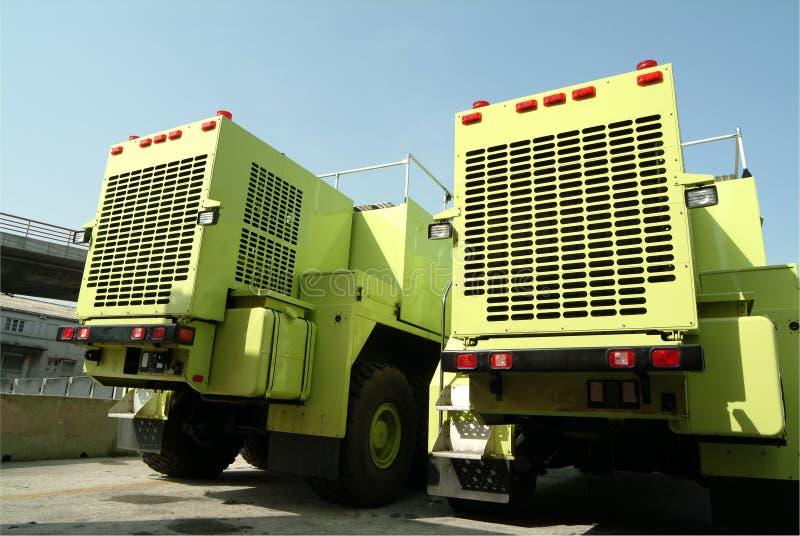 Deux grands camions dans le port images libres de droits