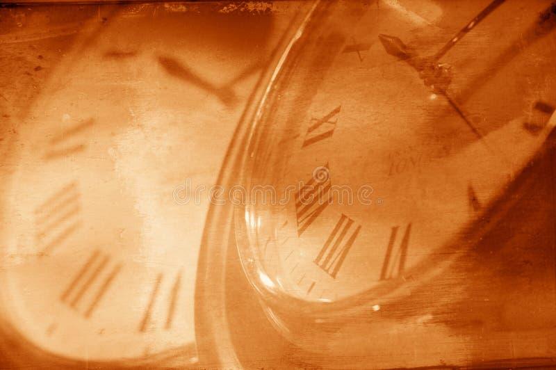 Deux horloges dans la synchro photographie stock