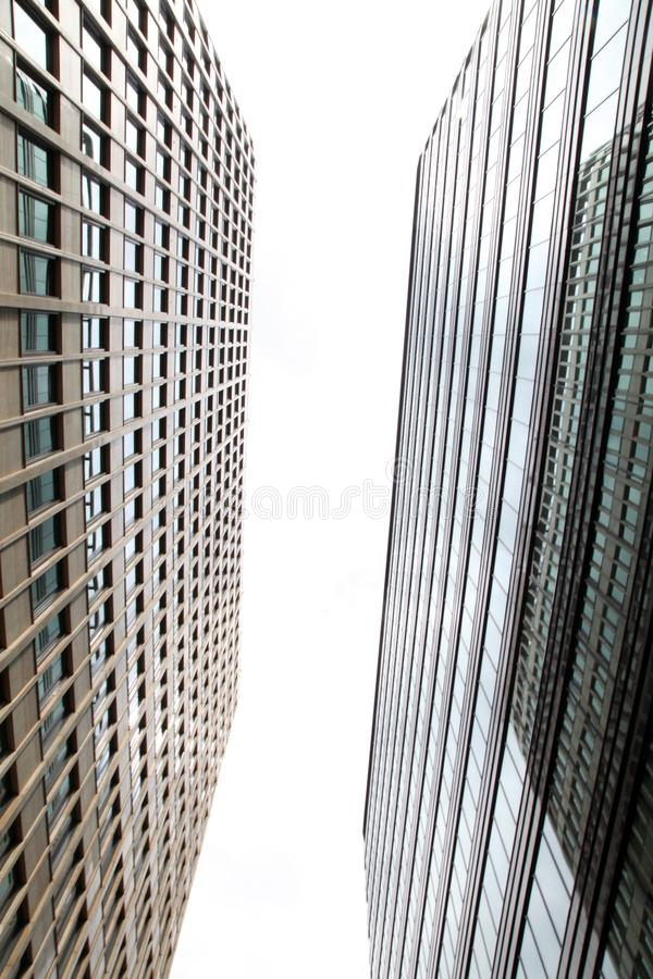 Deux immeubles de bureaux photos libres de droits