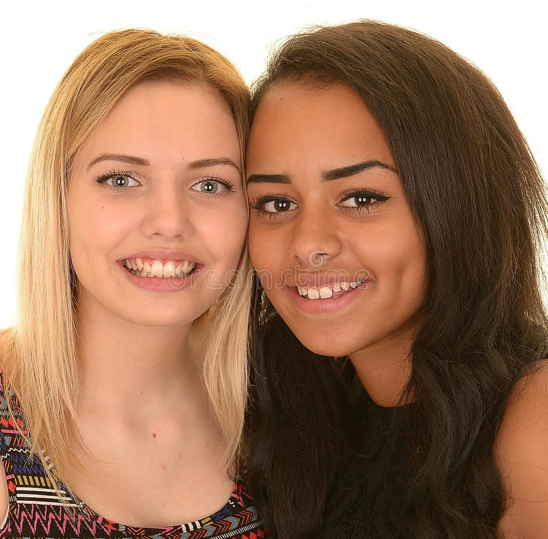 Deux jeunes filles heureuses photo libre de droits