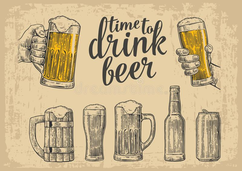 Deux mains tenant la tasse en verre de bière Verre, boîte, bouteille Illustration de gravure de vecteur de vintage pour le Web, a illustration stock
