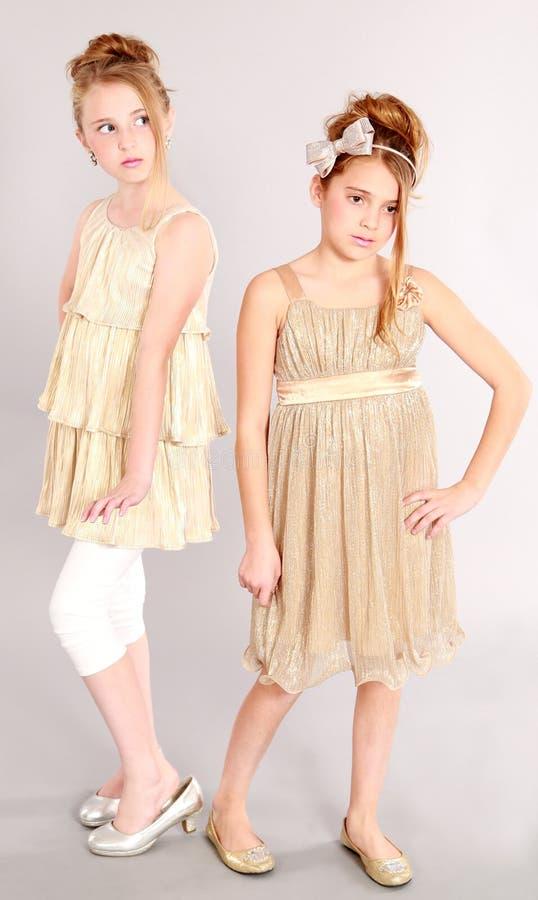 Deux modèles de jeune fille photo libre de droits