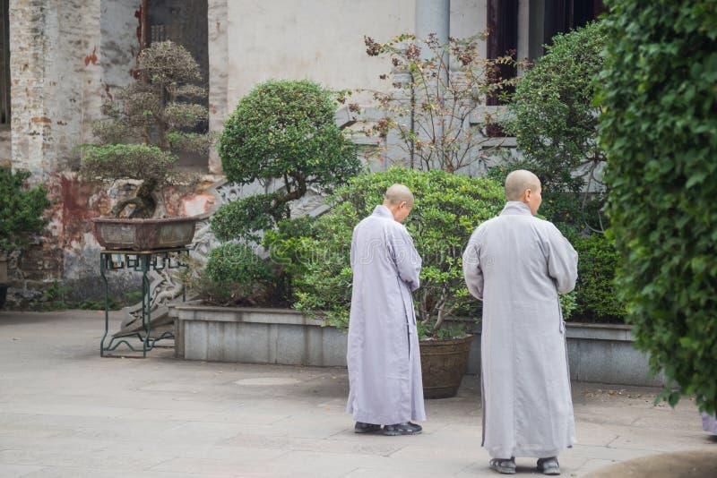 Deux moines photographie stock
