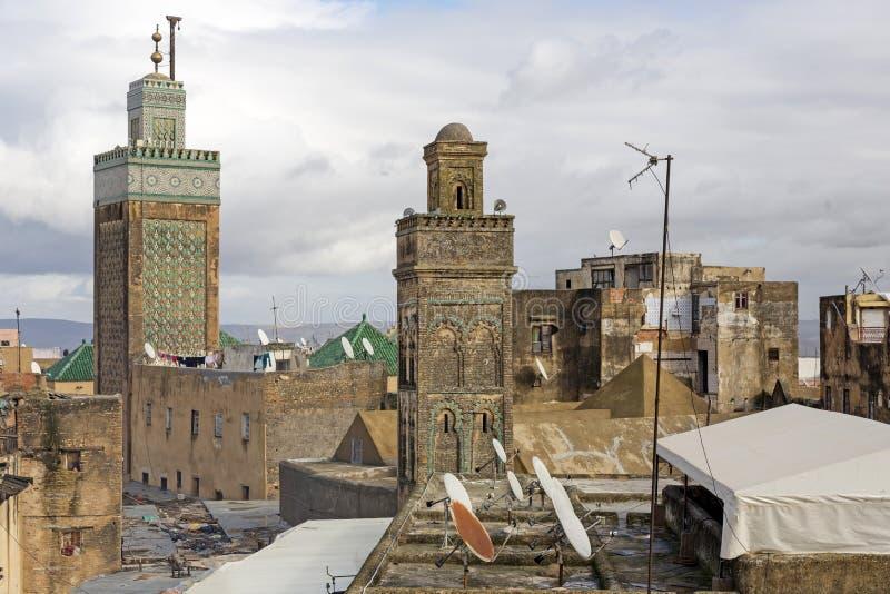 Deux mosquées dans la ville de Fes, Maroc photos stock