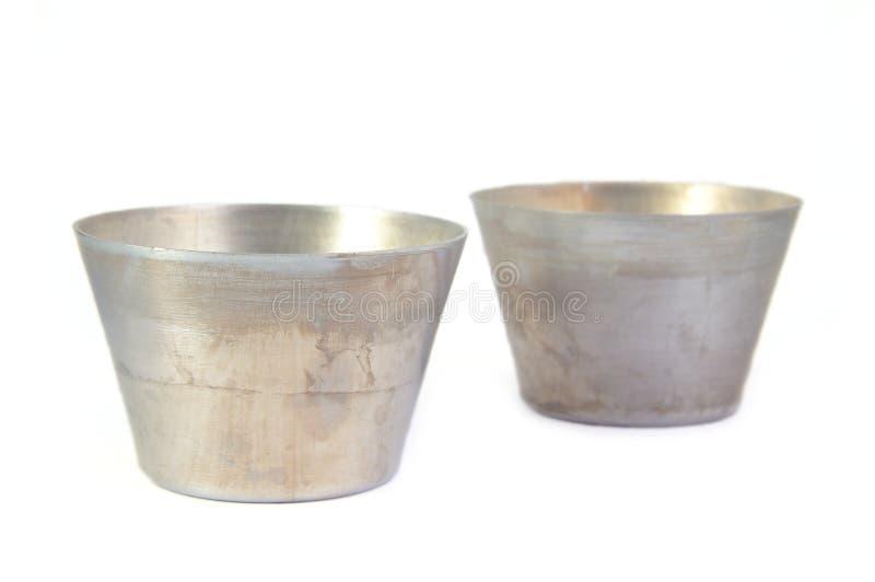 Deux moules de cuisson en métal de circulaire pour faire cuire l'anneau photographie stock libre de droits