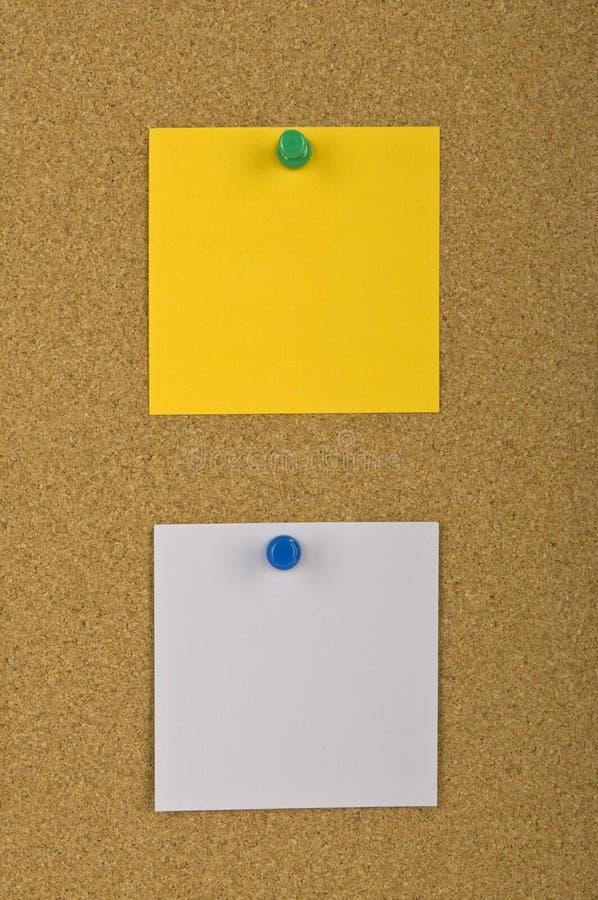 Deux notes en blanc photo stock